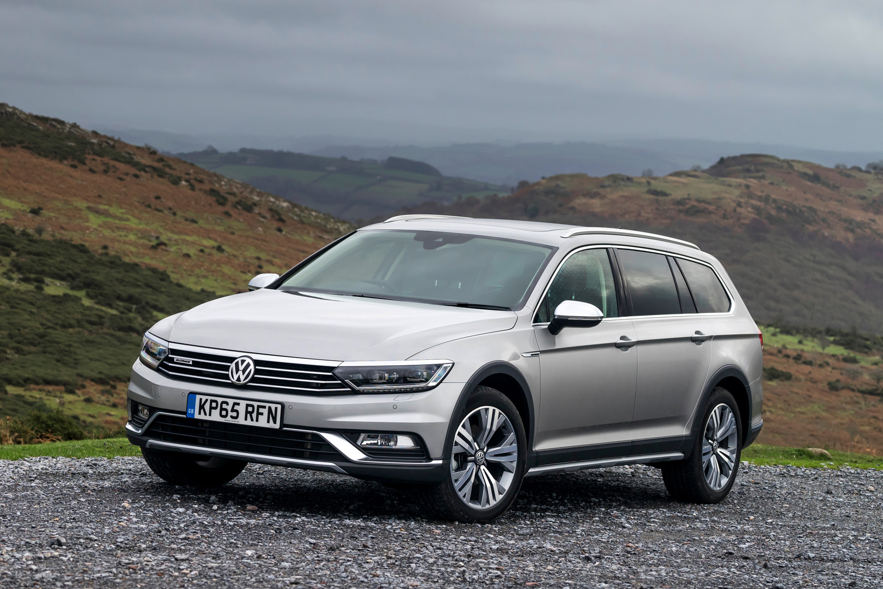 passat alltrack victorious at caravan club towcar of the year 2017 awards used cars ni blog. Black Bedroom Furniture Sets. Home Design Ideas