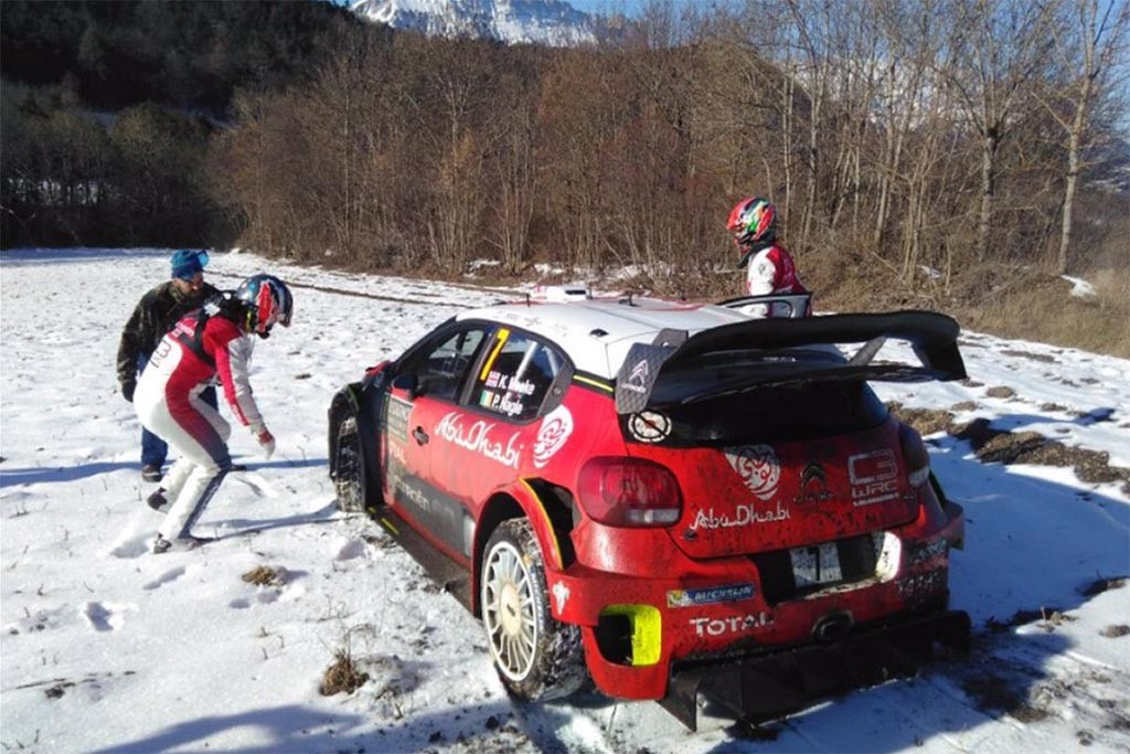 Meeke assess damage on SS4 - Image @pjea_com on Twitter