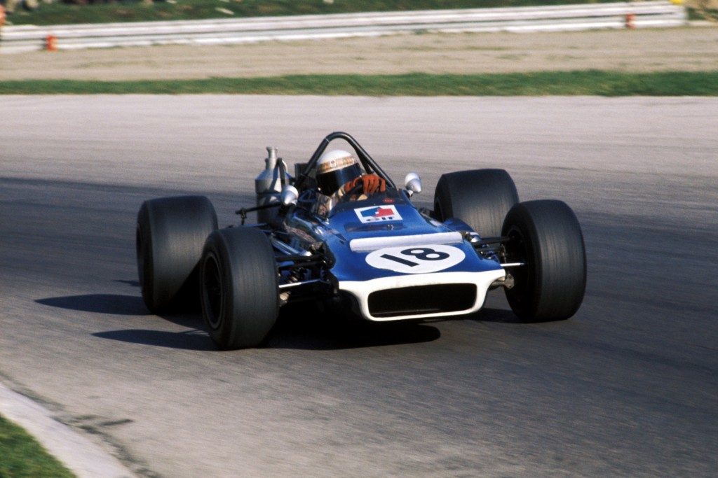 Second placed Jackie Stewart (GBR) Tyrrell Racing Organisation March 701 drifts through the Parabolica. Italian Grand Prix, Monza, 6 September 1970. BEST IMAGE