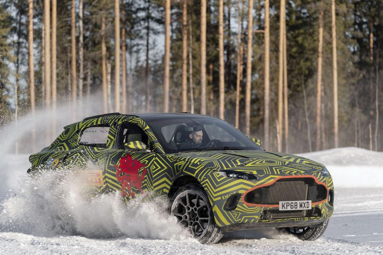 Aston Martin DBX (3)