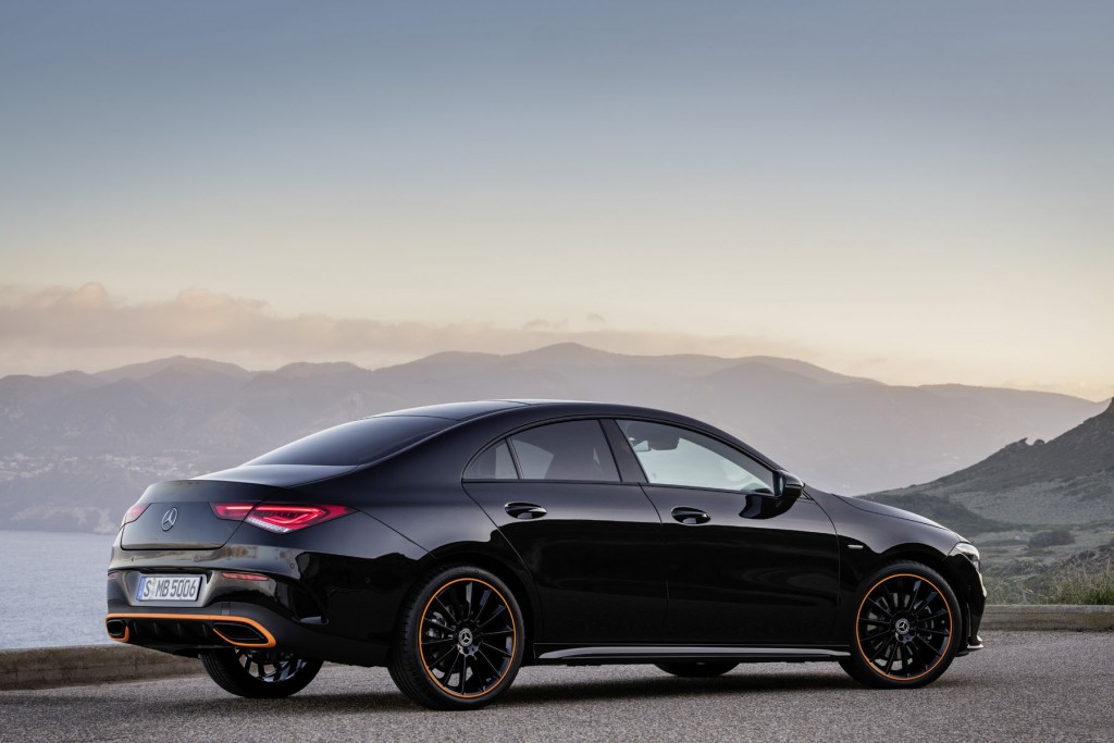 Mercedes-Benz CLA, Edition Orange Art, AMG Line, kosmosschwarz // Mercedes-Benz CLA, Edition Orange Art, AMG Line, cosmos black