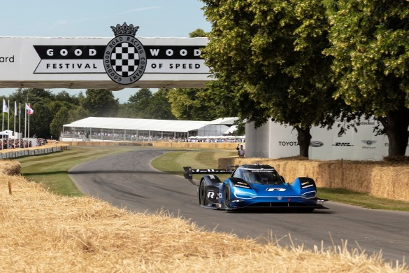 The electric ID.R is the first car to complete the Hillclimb in less than 40 seconds.